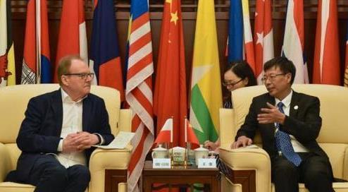 中国—东盟博览会签约首个区域外支持商协会