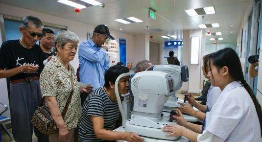 百岁香港同胞心系故土30载 为患者捐款近4000万