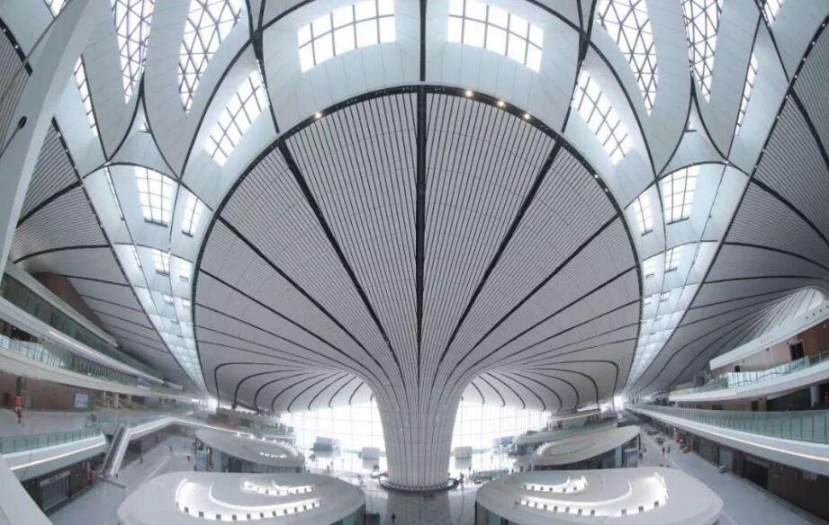 外国驻华使节参访大兴国际机场:见证了又一个中国奇迹