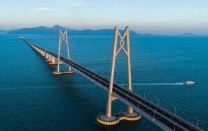 港澳政协委员在地方两会上献计献策——打造内地与港澳融合之桥