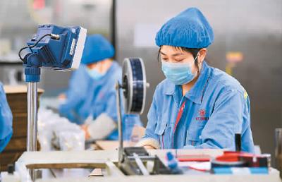 有序复产 沟通客户 中国外贸企业临疫不乱