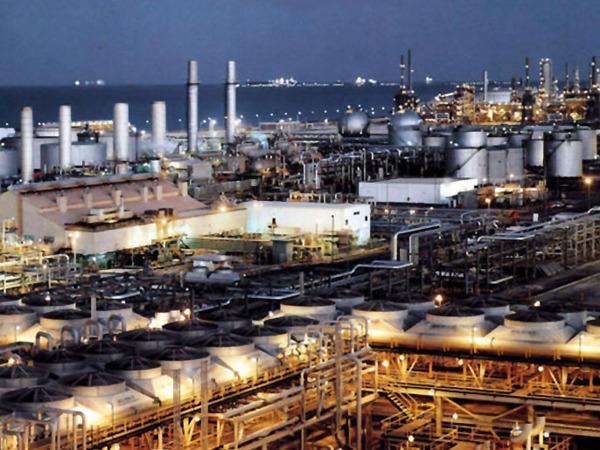 OPEC+达成初步减产意向 五六两月每日将减产1千万桶