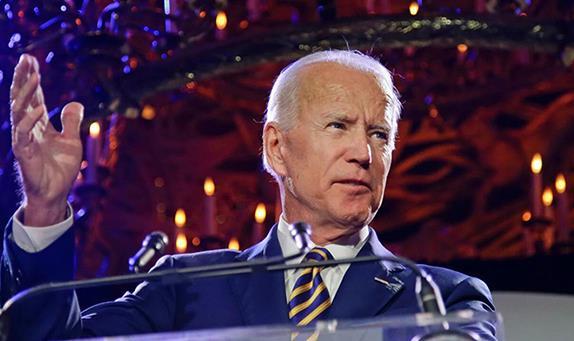 美联社:美国前副总统拜登正式获得民主党总统候选人提名