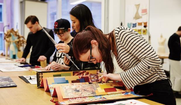 出国留学呈三大变化 英国成首选留学目的国