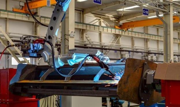 工信部:中国连续11年成为世界最大的制造业国家