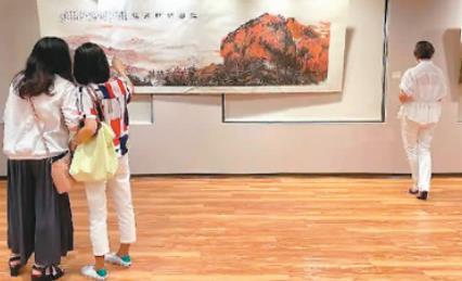 台北举行书画大展  两岸艺术家共绘泰山